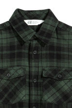 Flannel shirt - Dark green/Checked - Kids | H&M 3