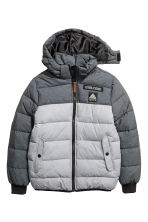 Padded jacket with a hood - Grey - Kids | H&M CN 2