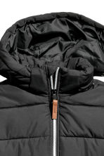 Padded jacket with a hood - Black - Kids | H&M CN 4