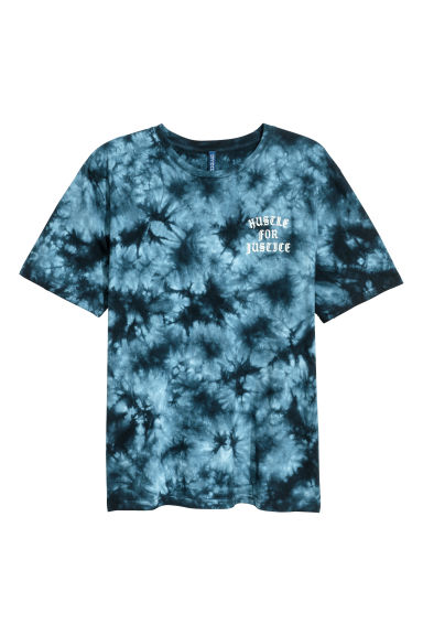 Batik-patterned T-shirt - Dark blue - Men | H&M 1