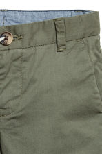 Chino shorts - Khaki green - Kids | H&M CA 3
