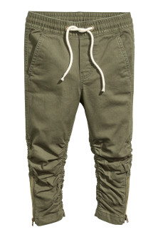 Joggers with zips