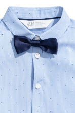Short-sleeve shirt and bow tie - Light blue/Striped - Kids | H&M 3