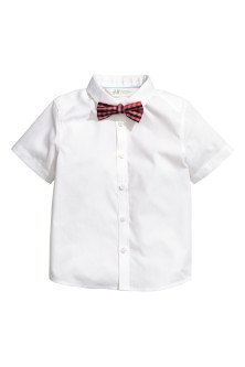 Short-sleeve shirt and bow tie