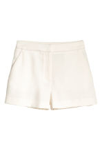 Crêpe shorts - Natural white - Ladies | H&M CN 2