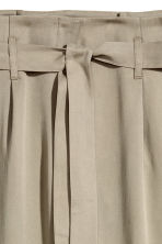 Wide lyocell trousers - Khaki - Ladies | H&M CA 3