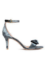 Crushed velvet sandals - Grey - Ladies | H&M 2