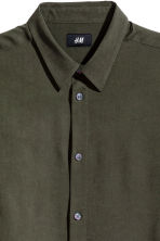 Linen-blend shirt Regular fit - Dark khaki green - Men | H&M CN 2