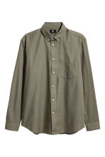 Camisa Oxford Regular fit - Verde caqui - HOMBRE | H&M ES 2