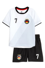 Football set - White/Germany - Kids | H&M CN 2