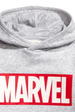 Printed hooded top - Light grey marl/Marvel - Kids | H&M 3