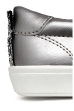 Slip-on trainers - Silver -  | H&M CN 4