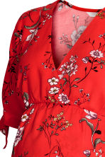 V-neck dress - Red/Floral - Ladies | H&M 3