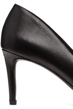 Court shoes with covered heels - Black - Ladies | H&M CN 4