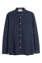 Oxford shirt Regular fit - Dark blue - Men | H&M IE 2