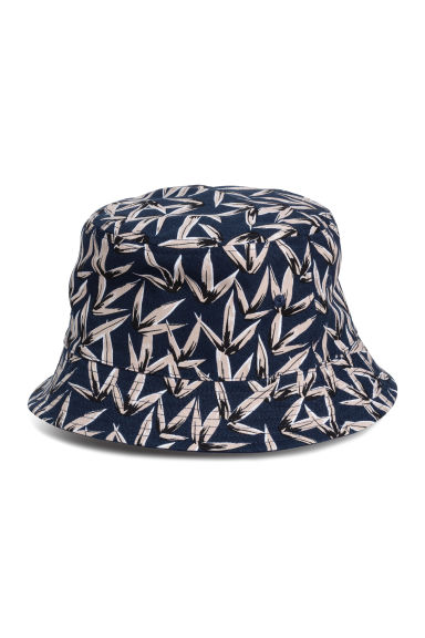 Reversible fisherman's hat - Dark blue/Patterned - Men | H&M