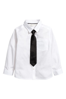 Shirt with a tie/bow tie