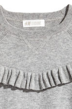Fine-knit jumper with a frill - Grey marl -  | H&M 3