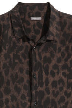 Patterned shirt - Brown/Leopard print - Men | H&M 3