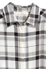Long flannel shirt - Natural white - Ladies | H&M 3