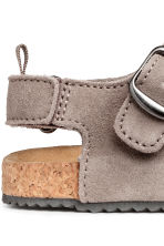 Suede sandals - Grey beige - Kids | H&M CN 4