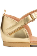 Shimmering metallic sandals - Gold - Kids | H&M 5
