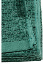 Check-weave bath towel - Dark green - Home All | H&M GB 4