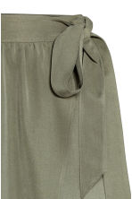Lyocell wrapover skirt - Khaki green -  | H&M 3