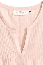 Cotton top with pin-tucks - Powder pink - Ladies | H&M CN 3