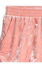 Crushed velvet shorts - Dusky pink - Ladies | H&M 3