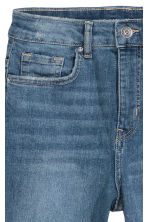 Slim High Trashed Jeans - Light denim blue - Ladies | H&M 3