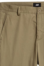 Cotton chinos Slim fit - Khaki green - Men | H&M 4