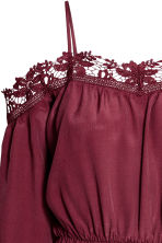 Crêpe off-the-shoulder dress - Burgundy - Ladies | H&M CN 3