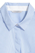 Fitted shirt - Light blue/Striped - Ladies | H&M IE 2