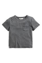 T-shirt con taschino - Nearly black -  | H&M IT 2