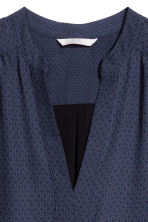 V-neck dress - Dark blue/Patterned - Ladies | H&M 3