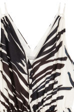 Long V-neck dress - White/Palm leaf - Ladies | H&M 3