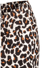 MAMA Patterned joggers - Leopard print - Ladies | H&M 3