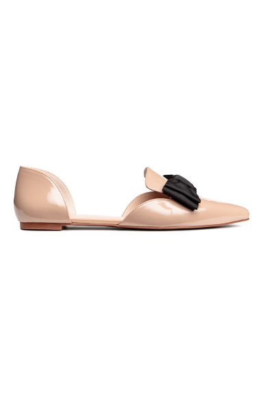 Pointed flats with a bow - Powder beige - Ladies | H&M CN 1