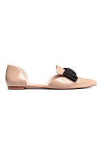 Pointed flats with a bow - Powder beige - Ladies | H&M 1