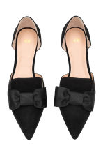Pointed flats with a bow - Black - Ladies | H&M CA 2