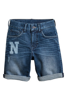 Short en jean avec impression