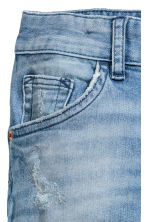 Relaxed Tapered fit Jeans - Azul denim claro - CRIANÇA | H&M PT 4