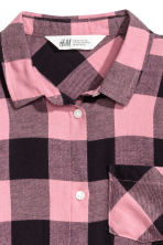 Generous fit Flannel shirt - Pink/Checked - Kids | H&M 2