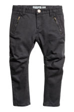 Twill trousers Shaped leg - Black - Kids | H&M 2