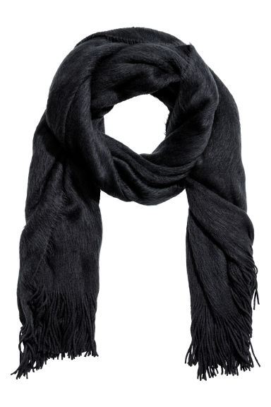 Knitted scarf - Black - Ladies | H&M 1