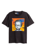 T-shirt con motivo - Nero/Nas - UOMO | H&M IT 1