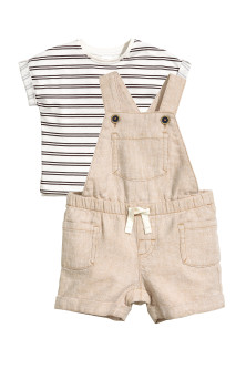 T-shirt and dungarees