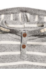 Knitted hooded jumper - Light grey/Striped -  | H&M 3