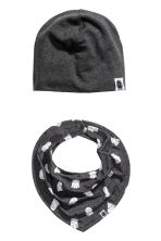 Hat and triangular scarf - Dark grey/Ghosts -  | H&M 1